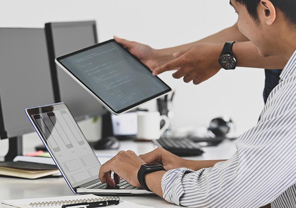 加利福尼亚跨境电商营销企业如何选择网站服务器?